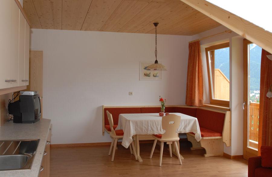wohnen waldmeisterhof urlaub bauernhof appartements toblach. Black Bedroom Furniture Sets. Home Design Ideas