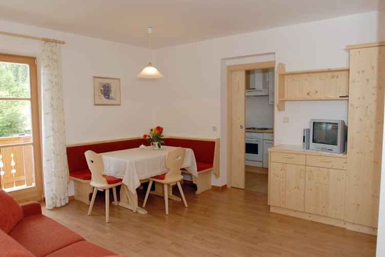Abitare - Waldmeisterhof, Agriturismo Appartamenti Dobbiaco